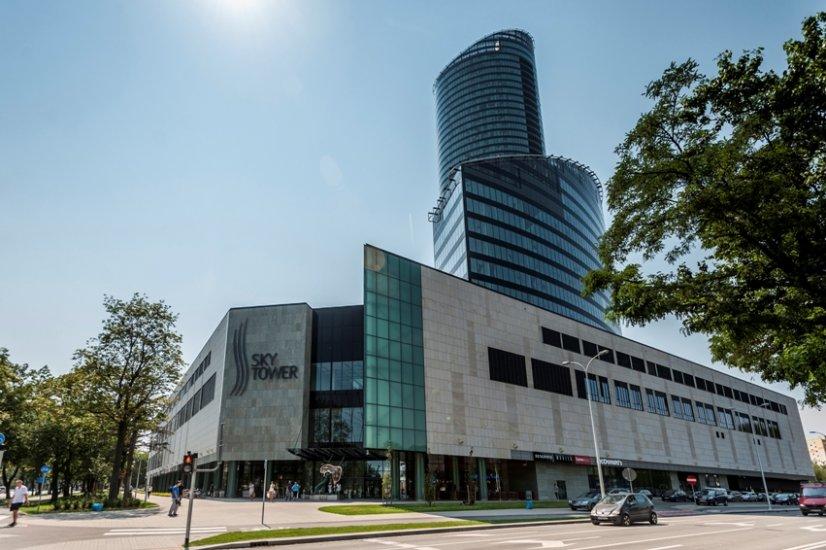 Nośniki reklamy zewnętrznej Outdoor na Galerii Handlowej Ski Tower we Wrocławiu